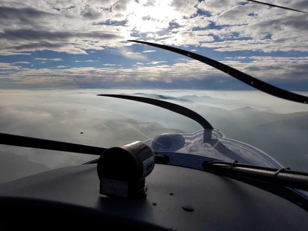 Schwarzwald aus der Luft bei einem Rundflug